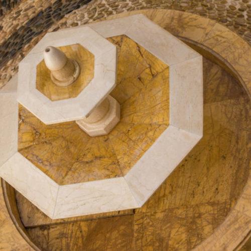 Fuente realizada en mármol Crema Amarillo Macael y crema